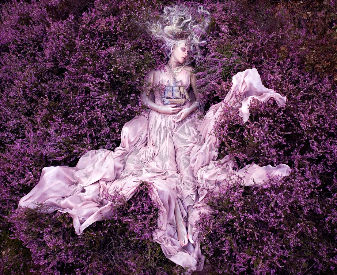 <p><b>Kirsty Mitchell</b><br /><i>Gammelyn's Daughter</i><span>, 2012</span></p>