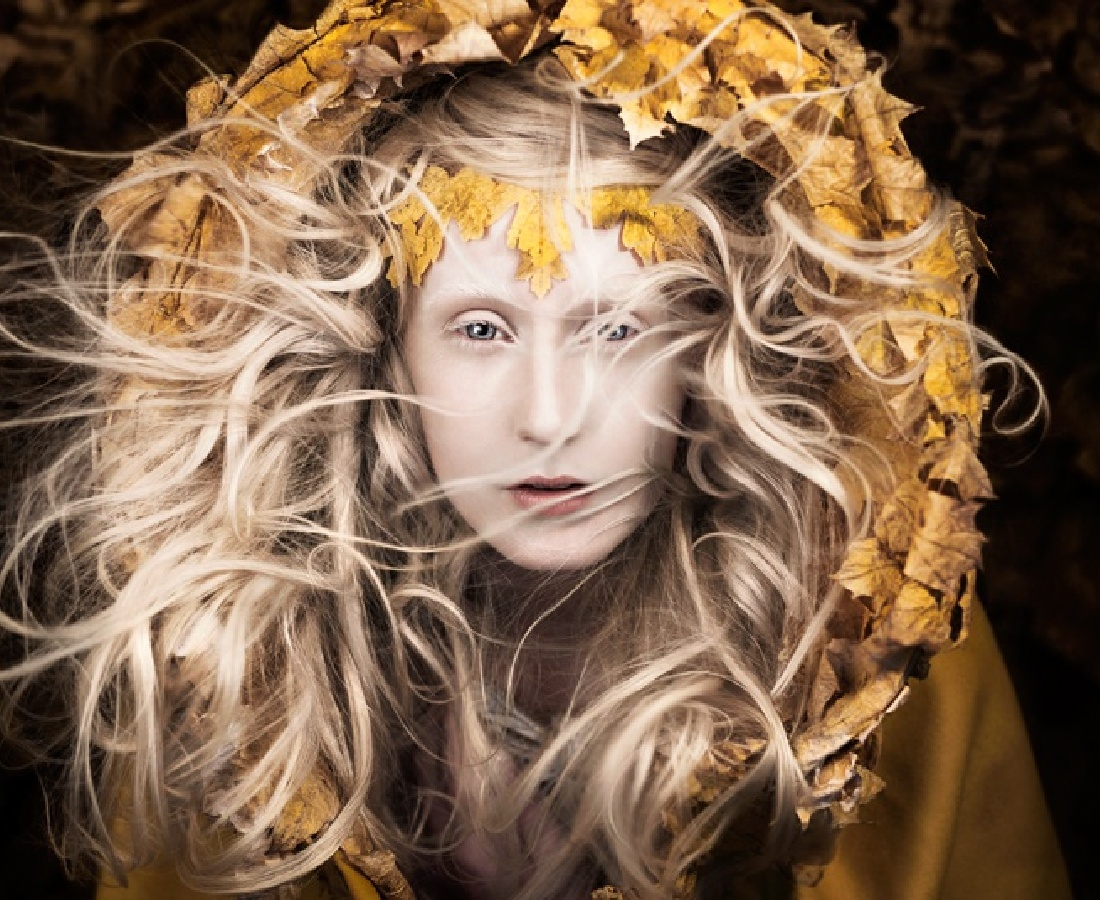 <p><b>Kirsty Mitchell</b><br /><i>Let Your Heart be the Map</i><span>, 2013</span></p>