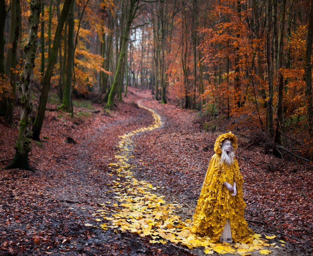 <p><b>Kirsty Mitchell</b><br /><i>The Journey Home</i><span>, 2013</span></p>