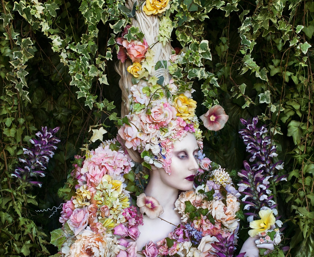 <p><b>Kirsty Mitchell</b><br /><i>The Secret Locked in the Roots af the Kingdom</i><span>, 2014</span></p>