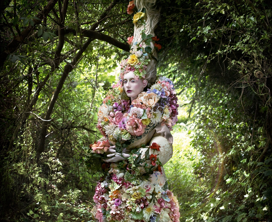 <p><b>Kirsty Mitchell</b><br /><i>The Stars Of Spring Will Carry You Home</i><span>, 2014</span></p>